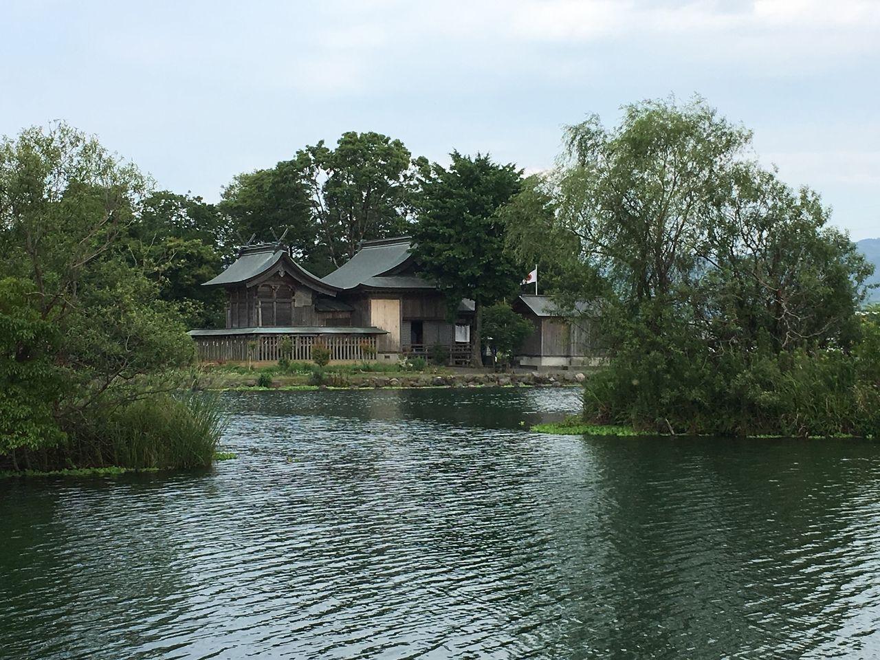 地元で通称 浮島神社と呼ばれる熊野座神社