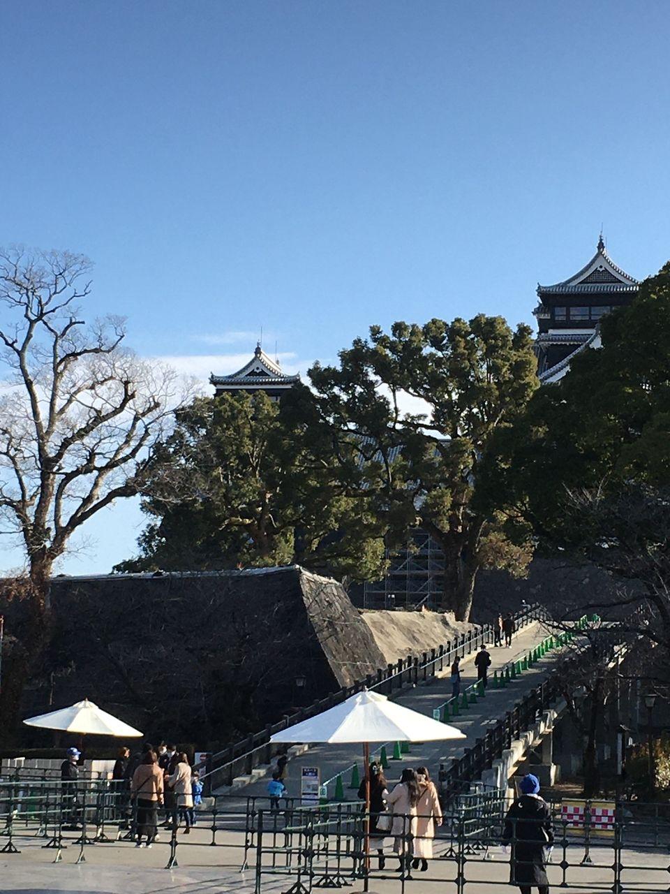 熊本城 特別見学通路から望む天守閣と二の丸
