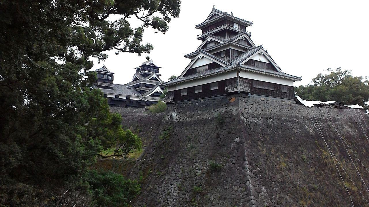 地震で壊れた石垣・長塀