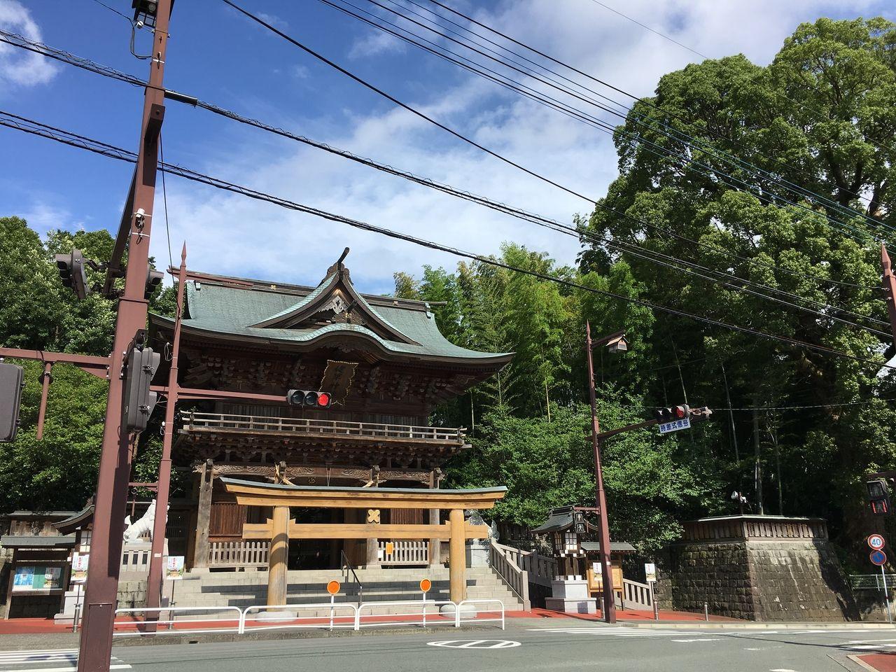 平成12年 阿蘇大神合祀1450年事業により再建された楼門
