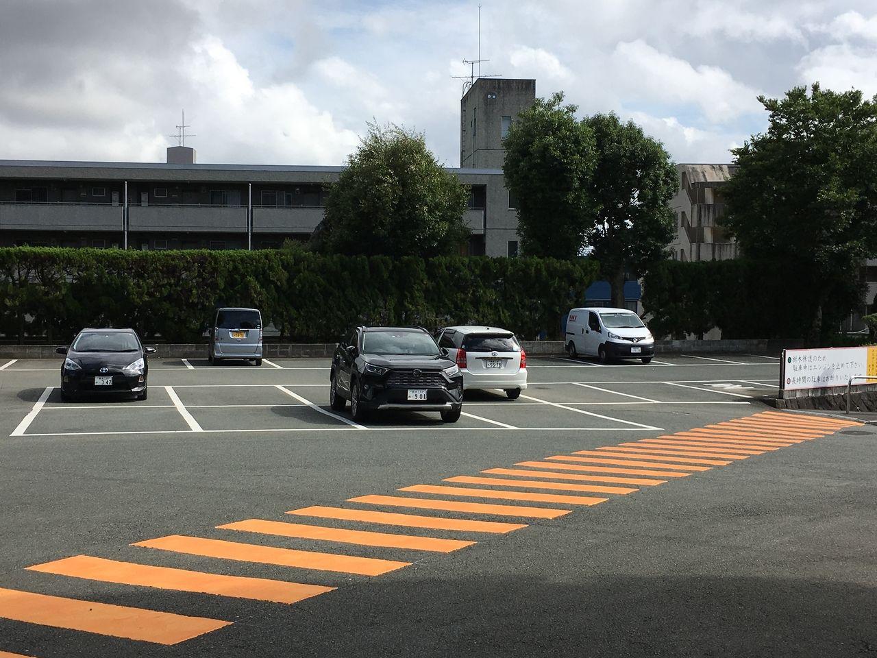参詣者のための無料駐車場