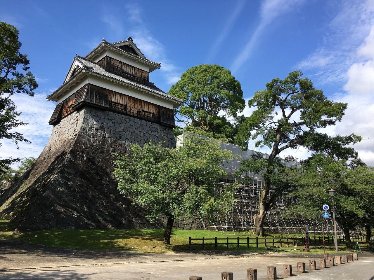未申櫓は西出丸の南西角にある三階櫓です。