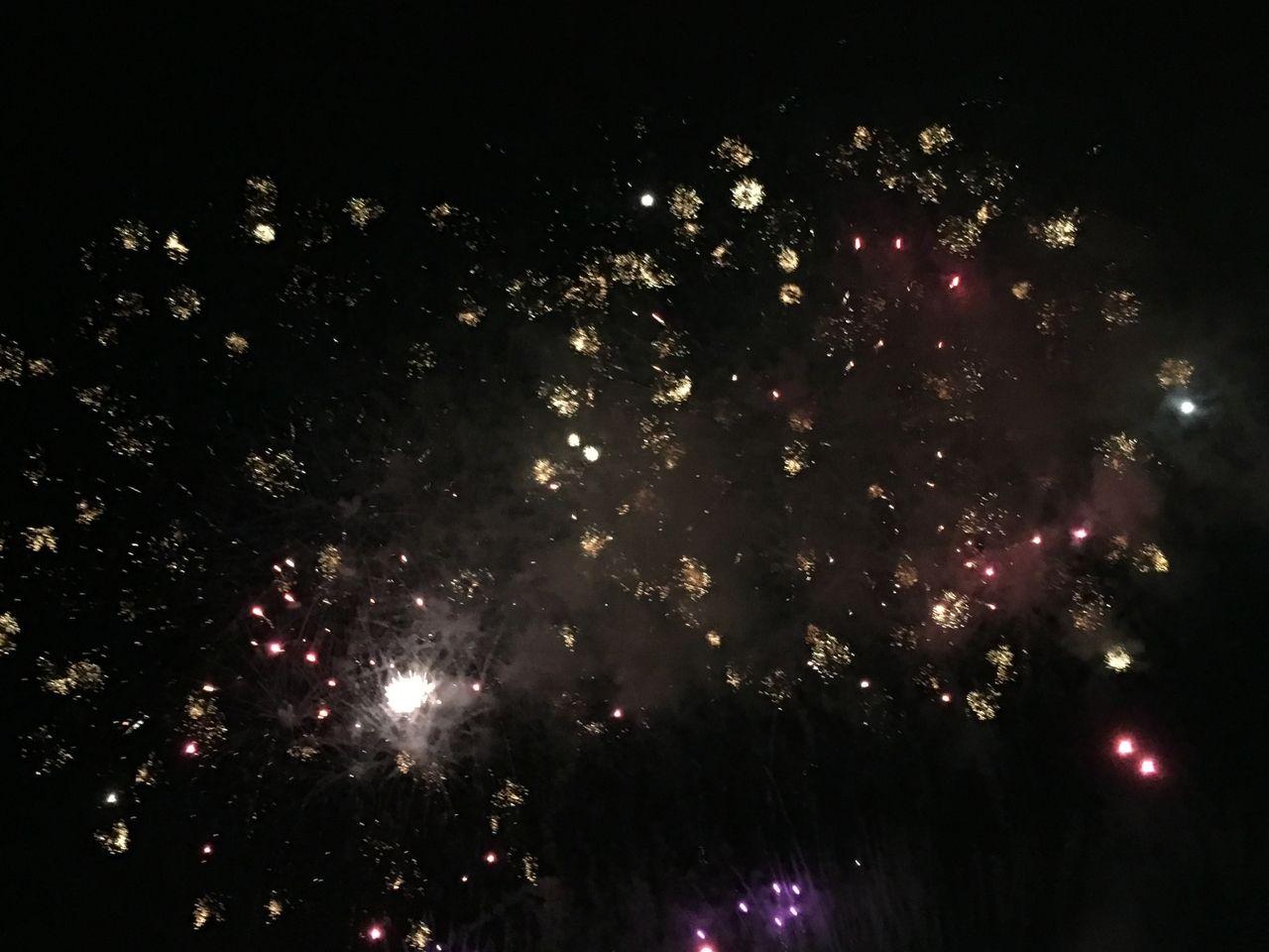 星降る夜空