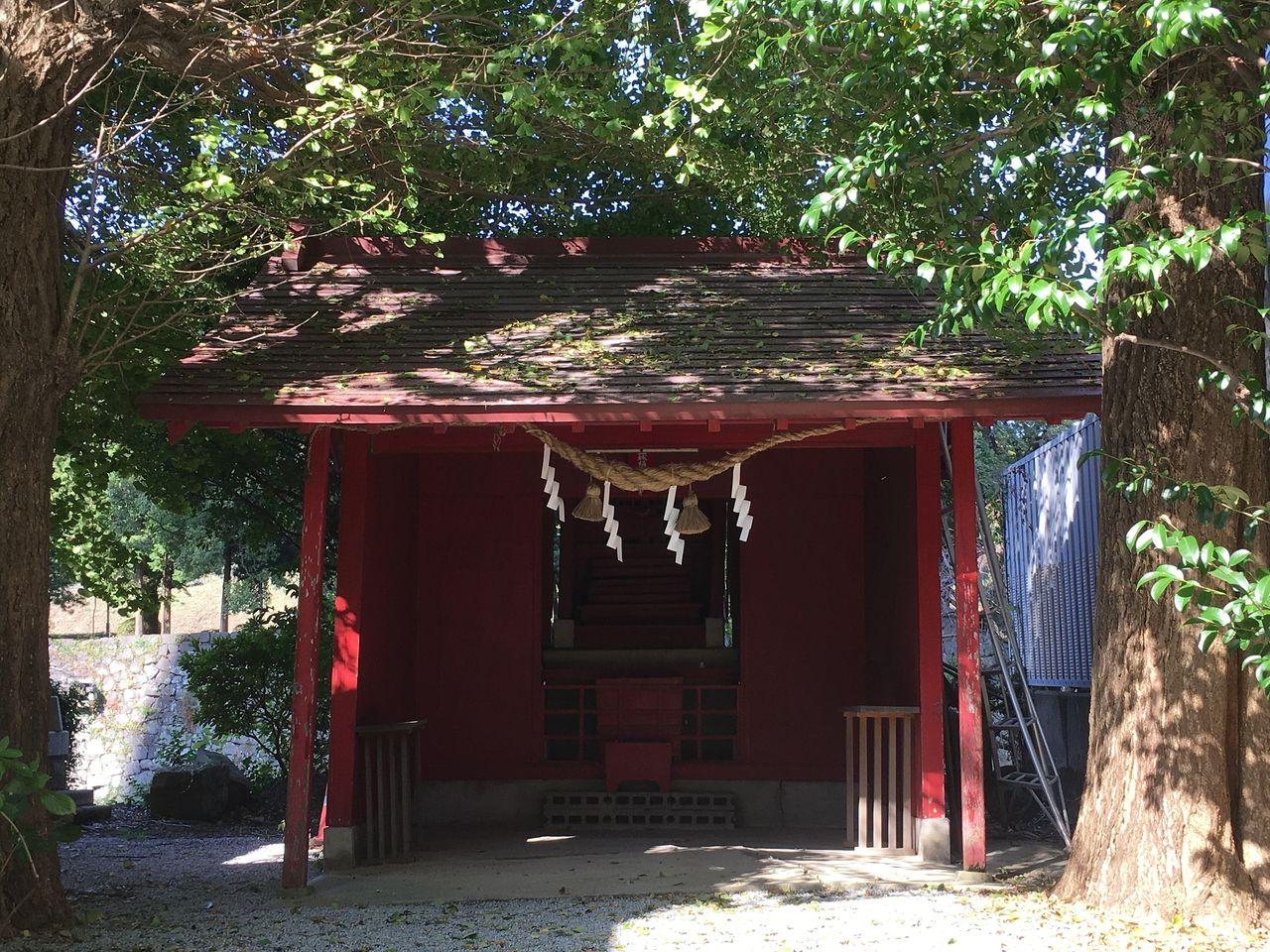 三城稲荷神社