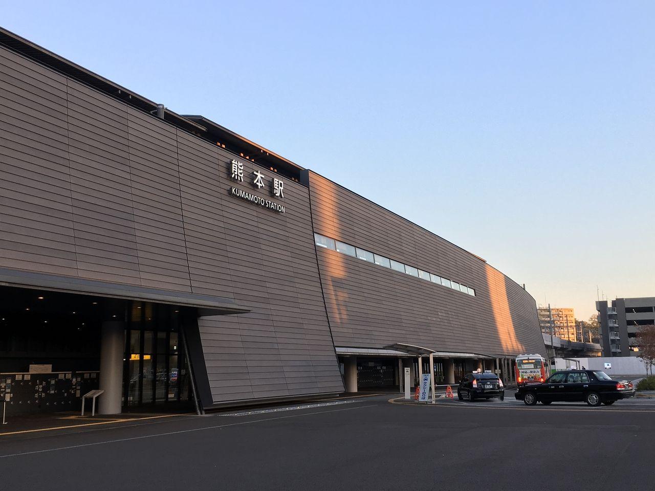 日々変化する熊本駅