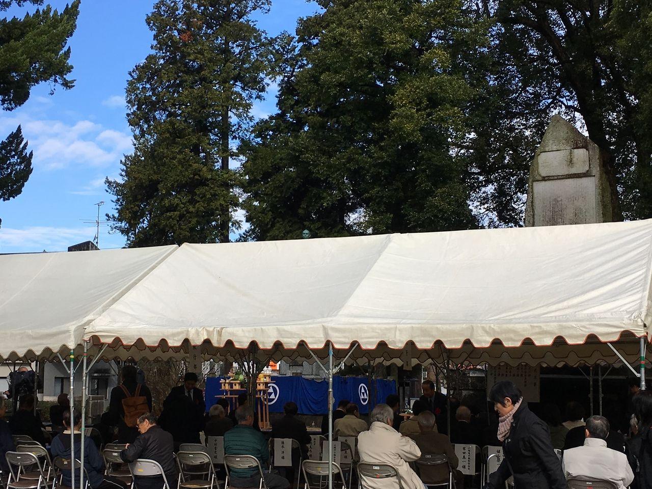 墓前祭開始前の会場の様子