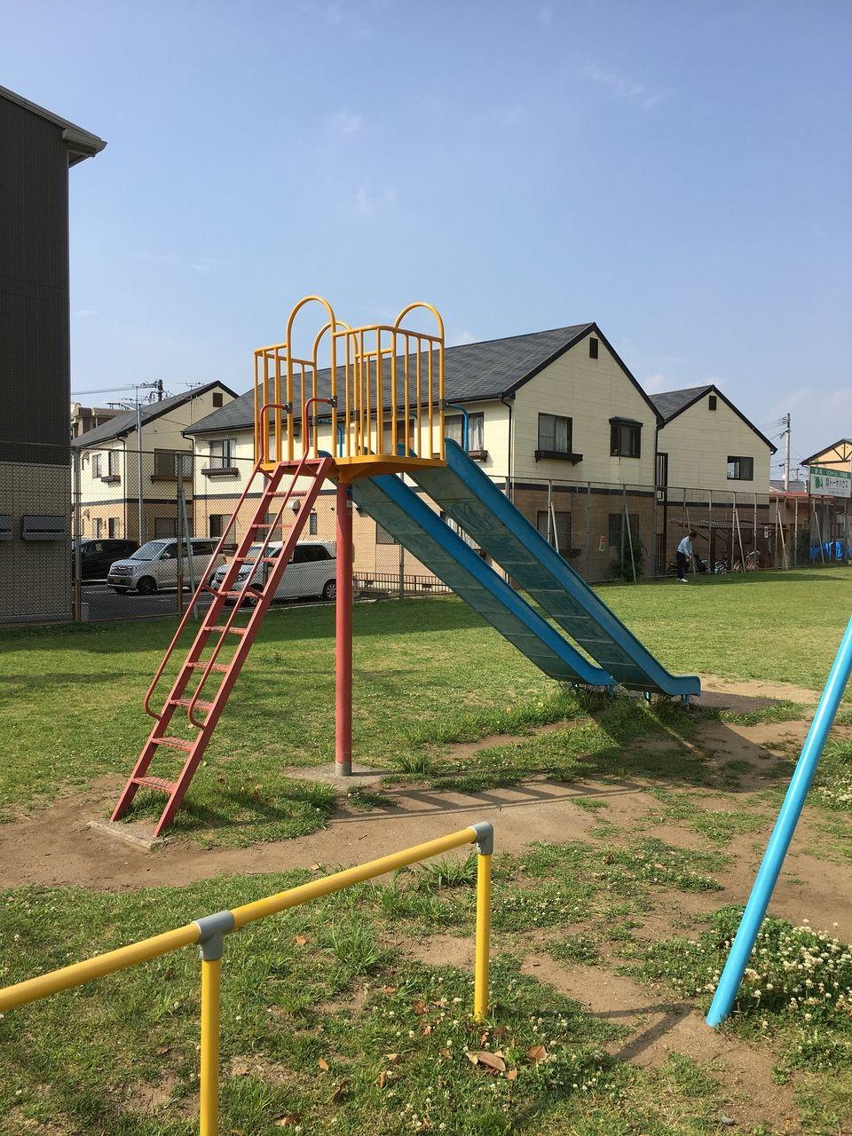 熊本市東区にある秋津東公園のすべり台
