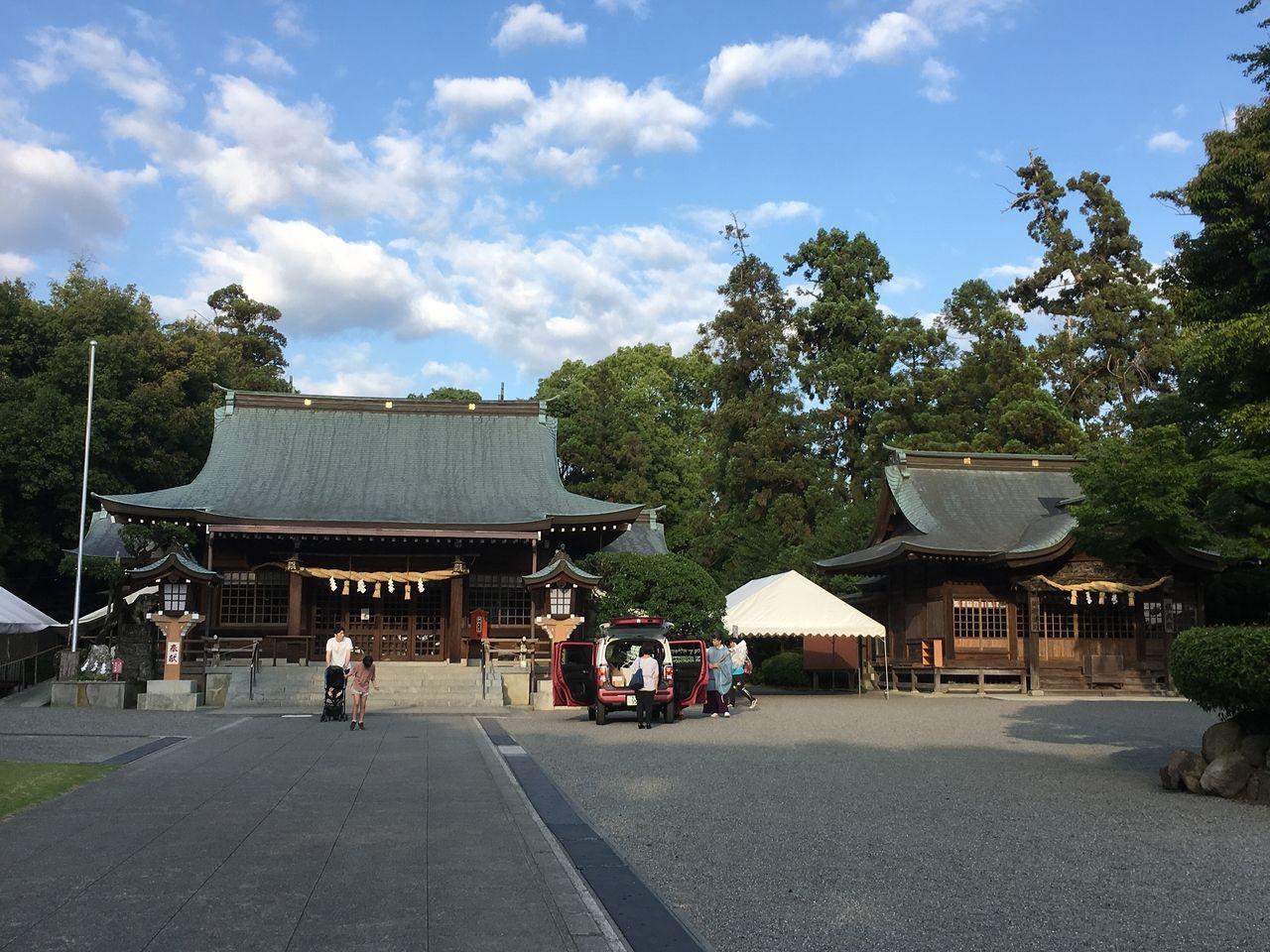 初夏の健軍神社・本殿と儀式殿